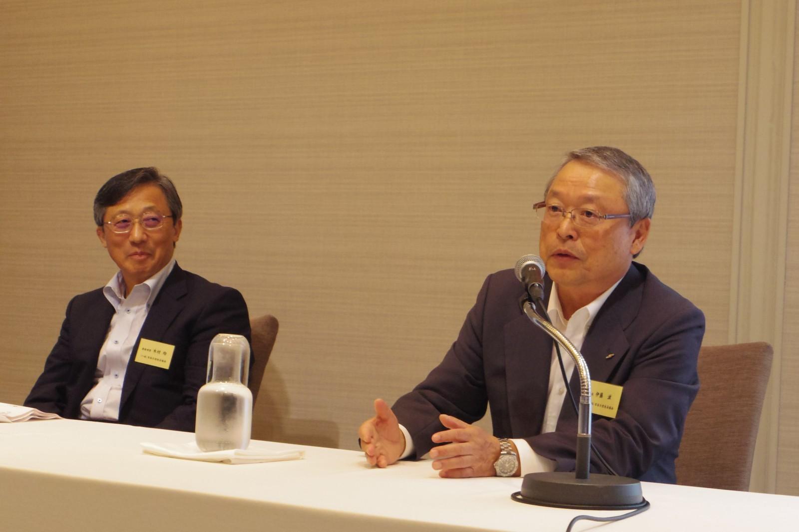 伊藤会長から伊藤会長へのバトンタッチ(冷凍食品協会)