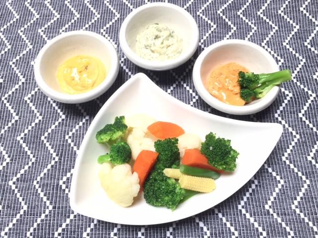 あっという間に、冷凍野菜ミックスとマヨディップ!残ったらピクルス