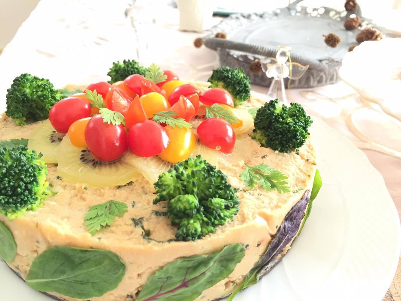 パーティ-で話題に! 冷凍マッシュポテトの野菜ケーキ