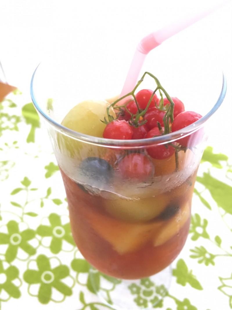 冷凍フルーツで冷ったい!アイスティー♪