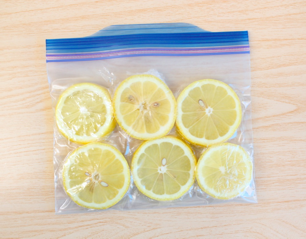 冷凍レモンでいつでも手軽にアイスレモンティー