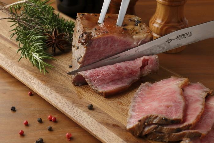 冷凍食品レストランでダニエル・マルタン シェフレシピの奥出雲和牛ローストビーフディナー