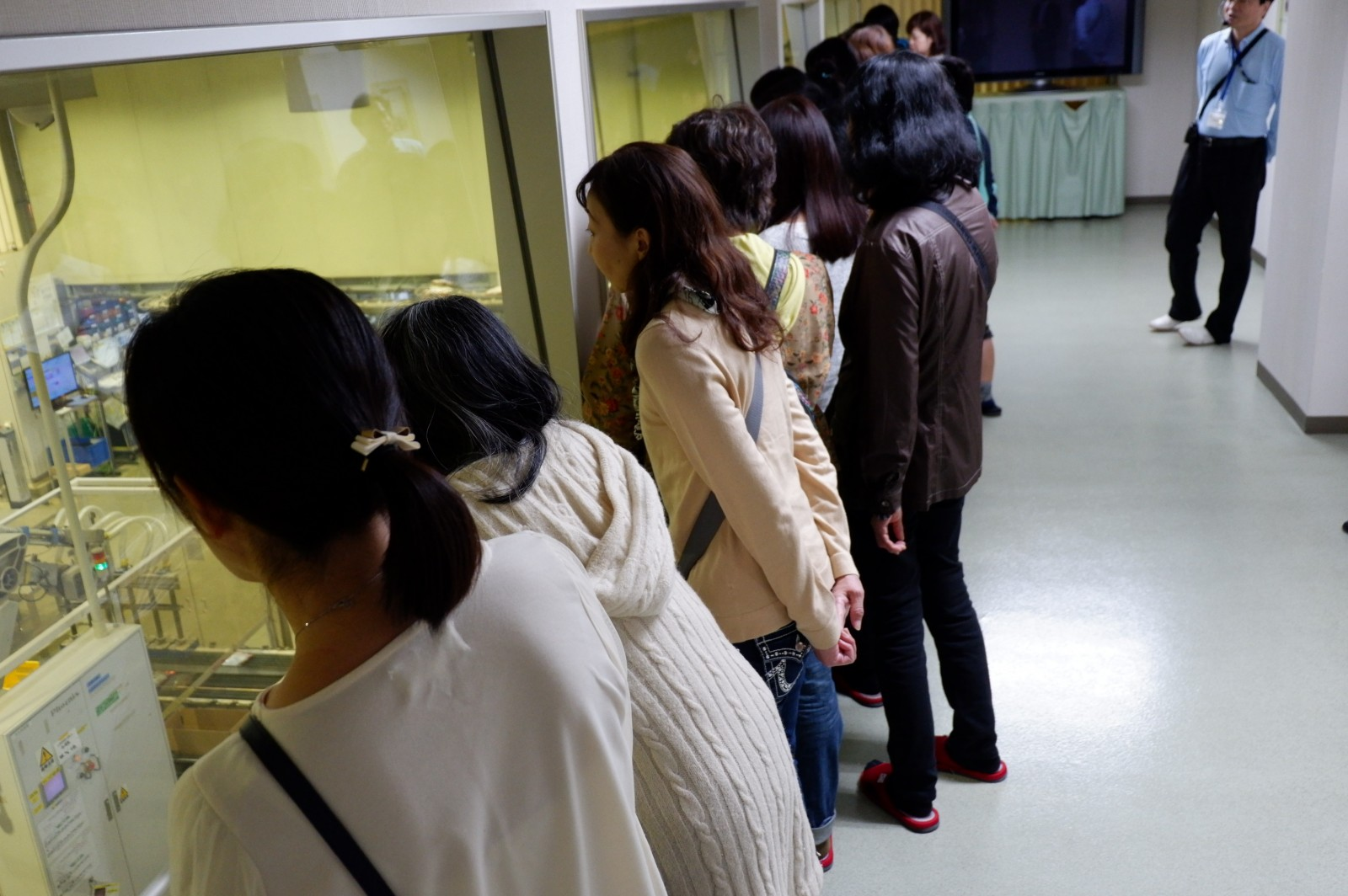 首都圏の消費者がニチレイフーズ船橋工場見学、-28℃体験も(市冷協企画)