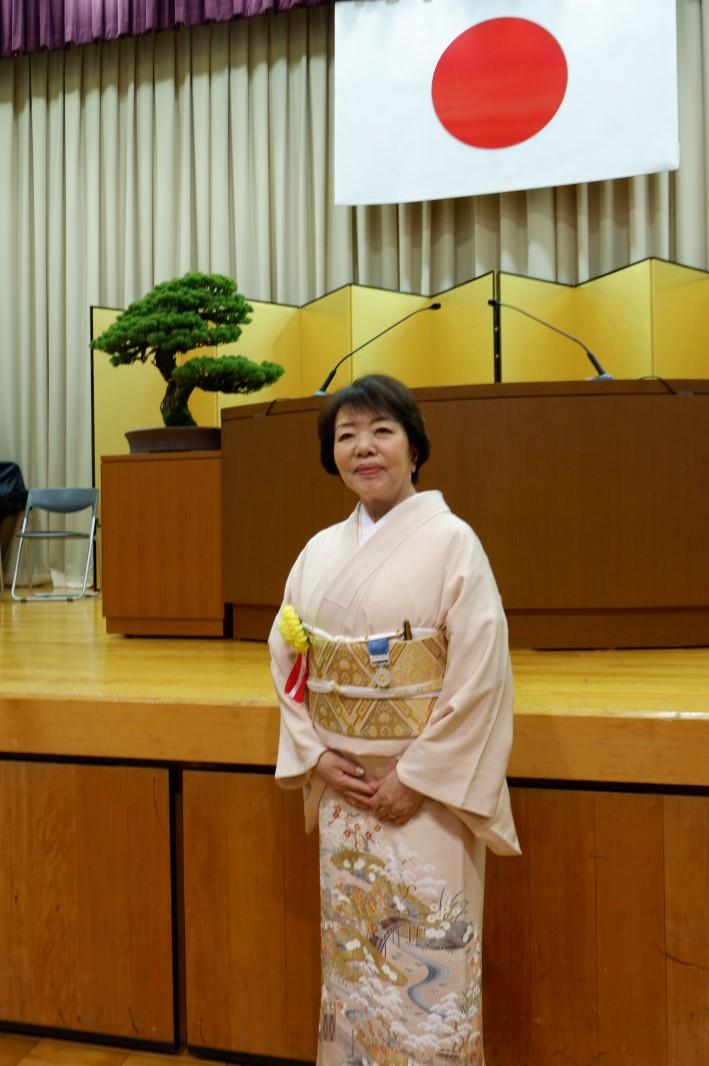 林香与子氏(マルハ物産会長、惣菜協会副会長)、藍綬褒章を胸に新たな決意
