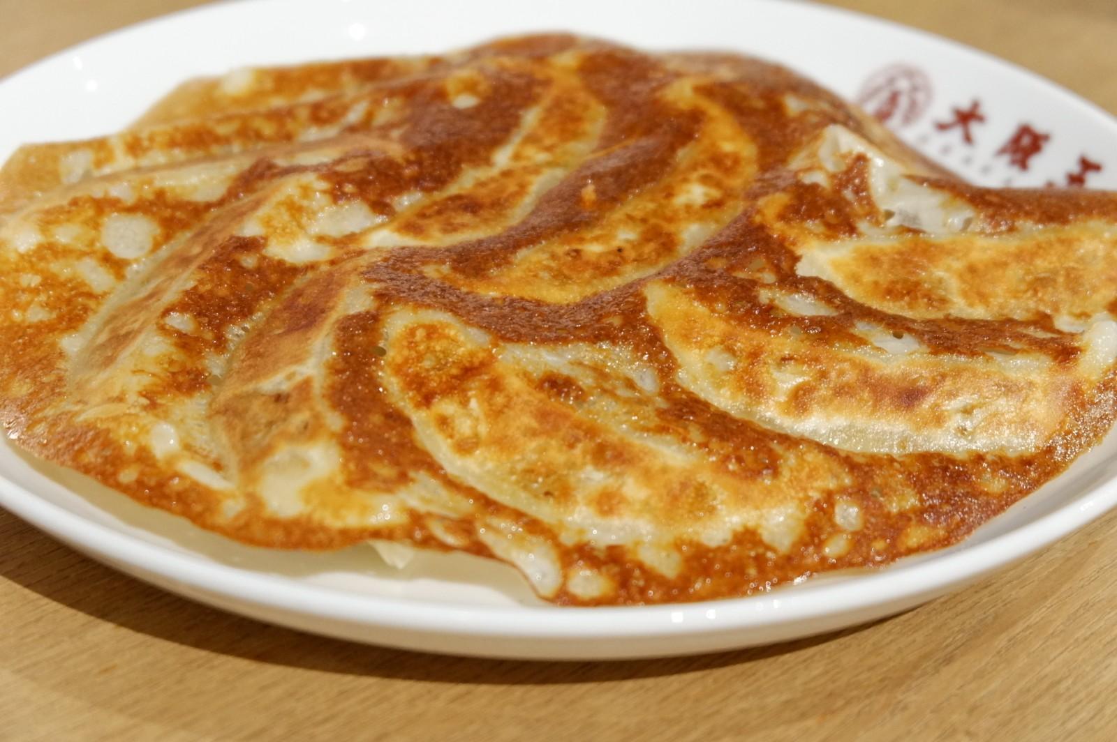「大阪王将 羽根つきチーズGYOZA」が『フタいらず』に! 「羽根つき餃子」は36個入パーティパックも