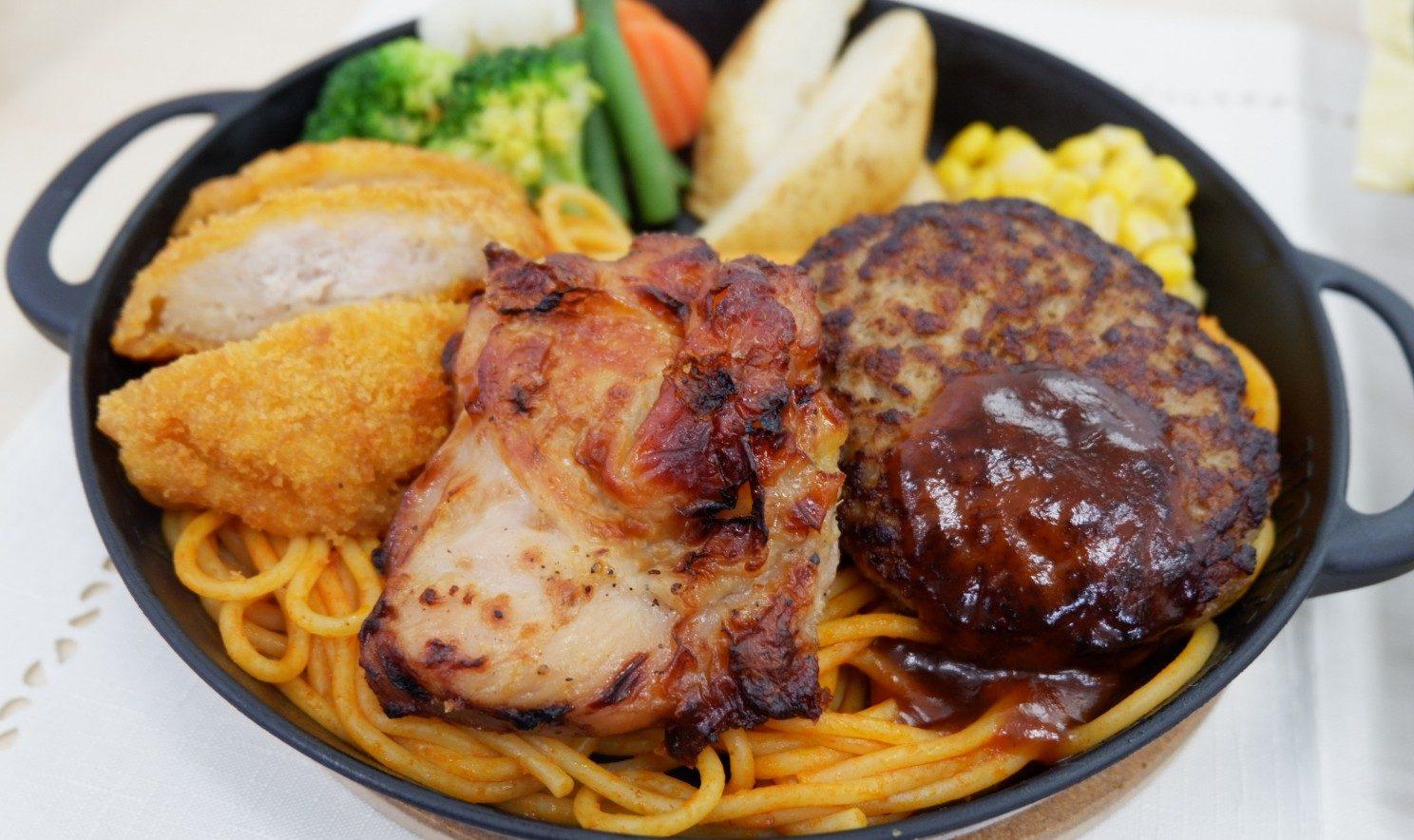 お肉のコンビプレートもできる!!レンジで簡単なおうちで外食気分になれる、「シェフの厨房』シリーズ(日本ハム冷凍食品)