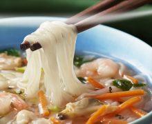 日清フーズ、冷凍食品新シリーズ! トレイ入り、水を入れてレンジ約4分のベトナム料理「フォー」
