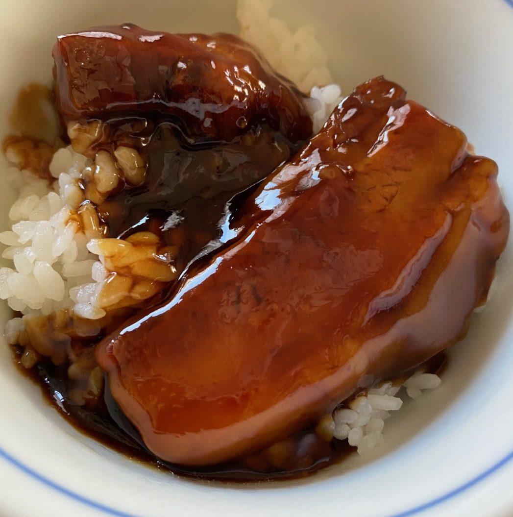 「すき家」の牛丼の具、豚丼の具、炭火やきとり丼の具に続いて「なか卯 豚角煮丼の具」新発売(トロナジャパン)