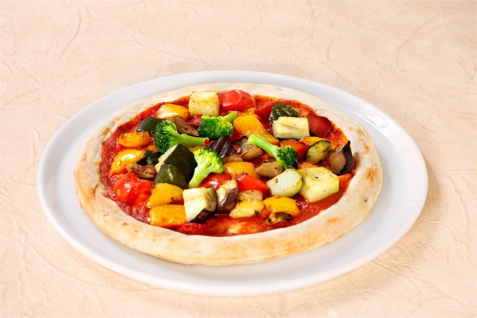 冷凍ピザに新提案!!「デルソーレ 野菜ピザ」 なんと!カリフラワーライス配合クラストに野菜トッピング