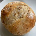モデルのヨンアさんとPan&がコラボ開発した冷凍パンは、ヘルシーで優しい素材が生きたパンでした
